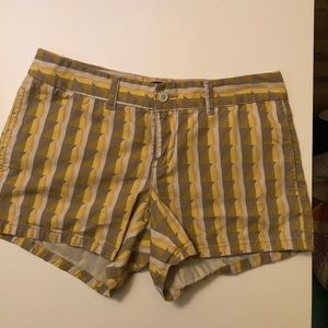 "Gap ""Hadley"" geometric shorts"